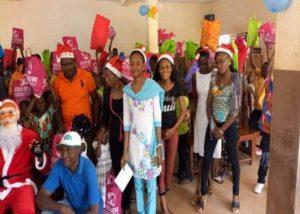 Le père Noël invité par ONG FAITH pour les enfants démunies